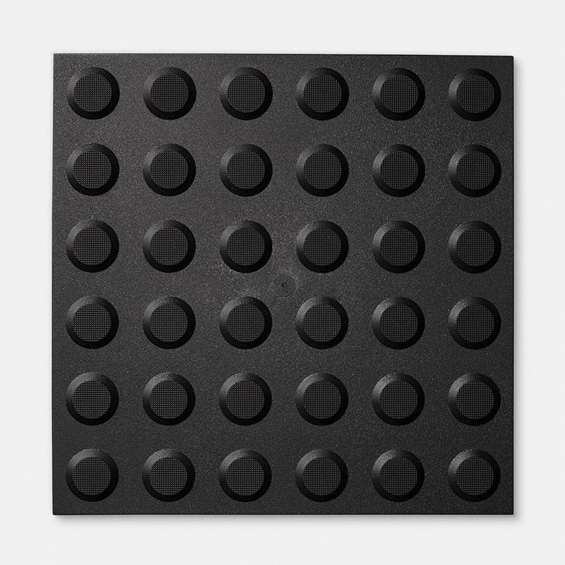 Tactiles Black Studs
